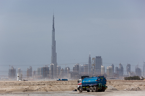 turm dubai pleite emirat weiht h chsten wolkenkratzer der welt ein zeitgeist. Black Bedroom Furniture Sets. Home Design Ideas